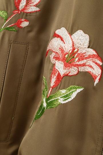 ストレッチサテン刺繍ブルゾン
