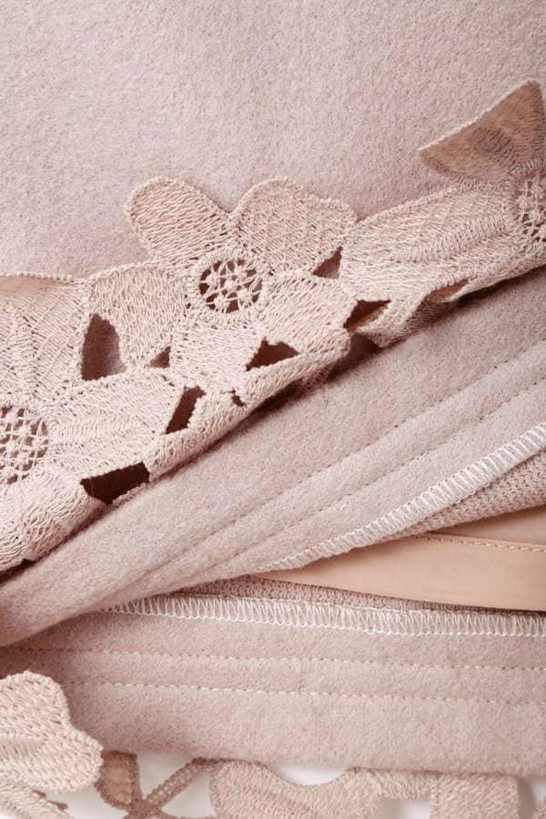 Fluffy embroideryパンツ