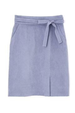 シルキースエードタイトスカート