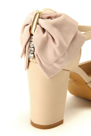 【CanCam 5月号掲載 まいさん着用アイテム】BACK RIBBON PUMPS