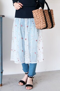 【先行予約_3月下旬お届け予定】チュールエンブロイダリースカート