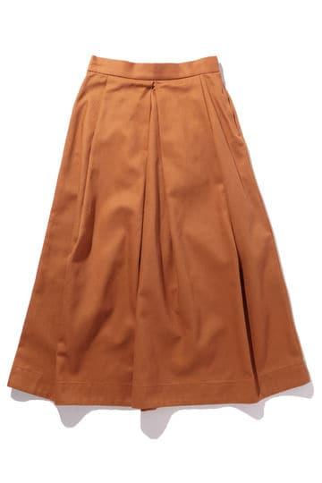 タック入りミモレ丈スカート