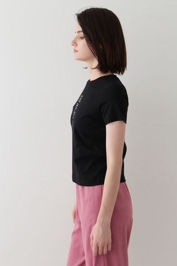 変形ロゴTシャツ