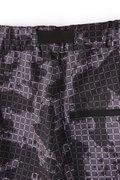 グリッドチェリーブロッサムカモ プリント ストレッチ タッサー テック ショート パンツ (MENS SPORT)