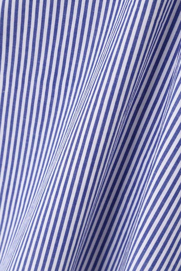 《BLUE》フラワー刺繍ブラウス