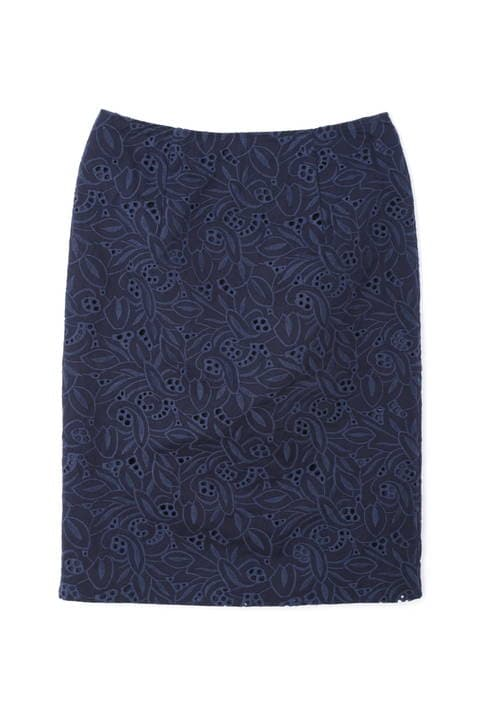 エンブロイダリータイトスカート