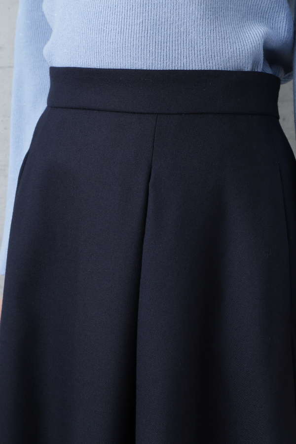 コルセットベルト付スカート