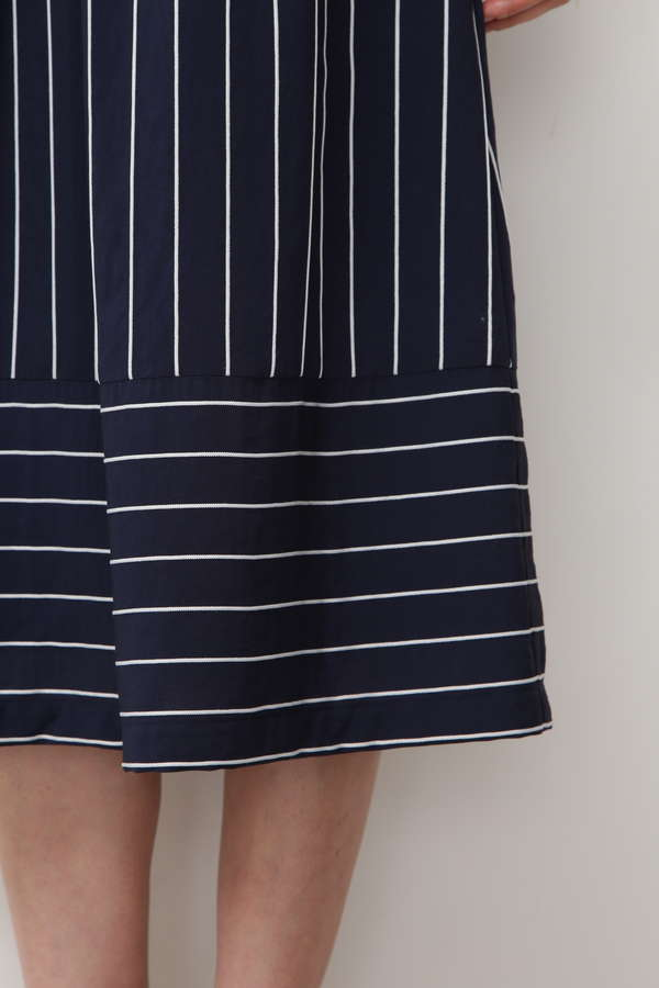 ストライプブロッキングスカート