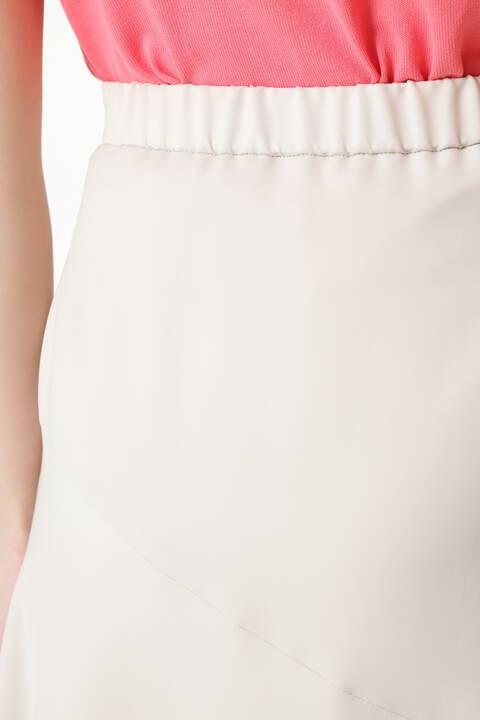 ストレッチサテンスカート