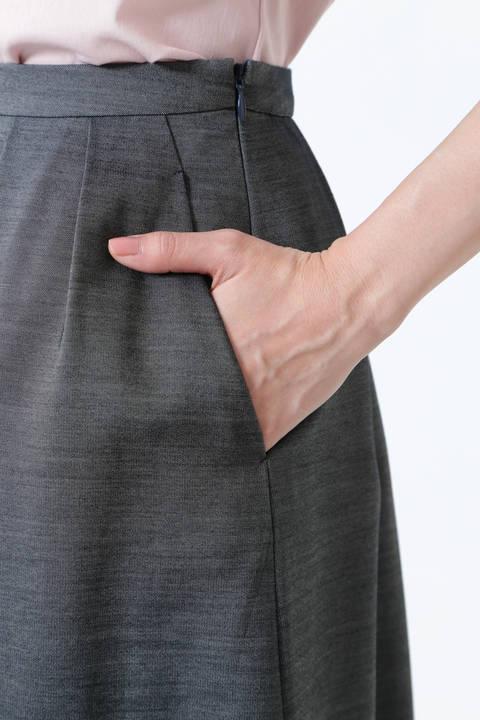 フラワー刺繍タックスカート