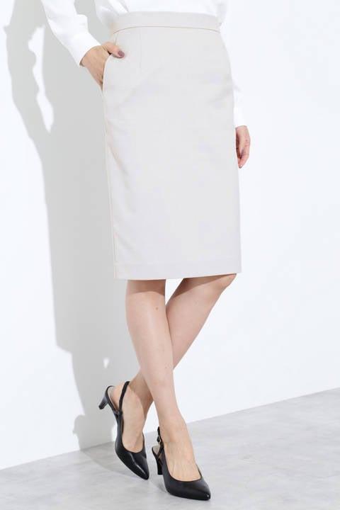 シャークスキンタイトスカート