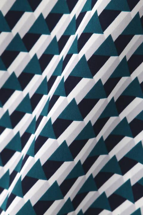 [ウォッシャブル]幾何プリントブラウス