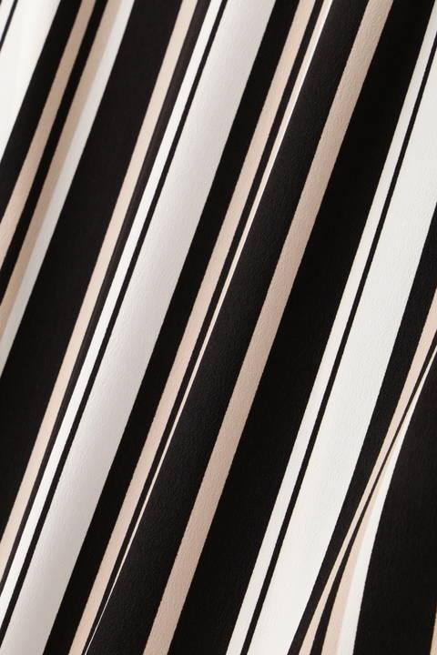 [ウォッシャブル]メタルパーツ付きマルチストライプブラウス