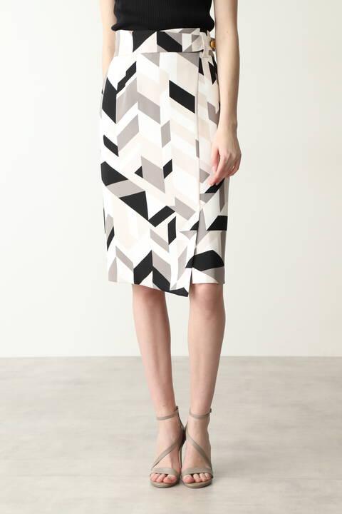 ジオメトリックアロープリントスカート