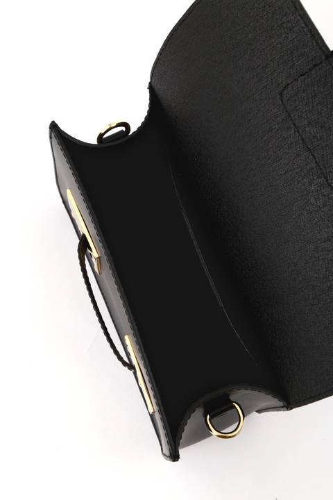 フロントメタルプレートショルダーバッグ