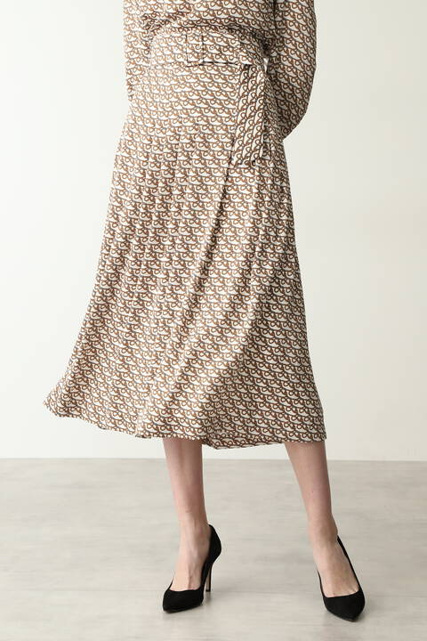 [ウォッシャブル]ベルトモチーフプリントセットアップフレアスカート