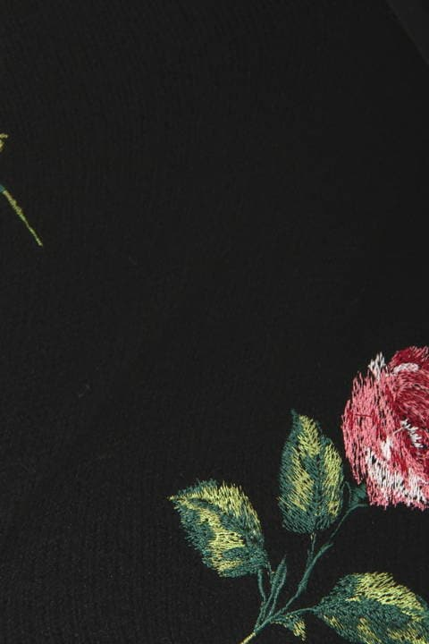 ローズ刺繍ニットプルオーバー