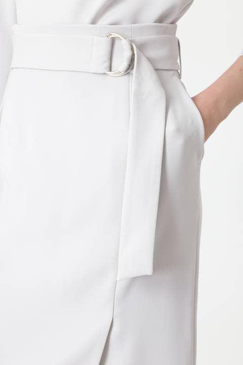 メタルリングベルトダブルサテンスカート