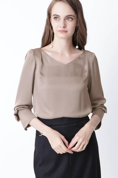 [ウォッシャブル]パールボタンカフスブラウス