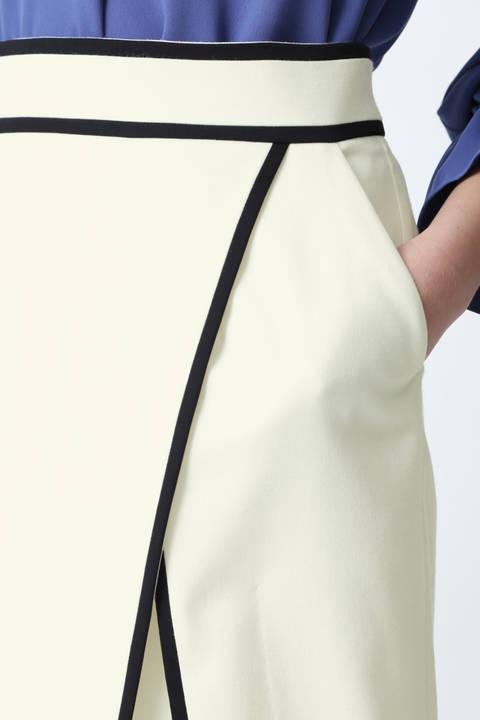 バイカラートリミングラップスカート