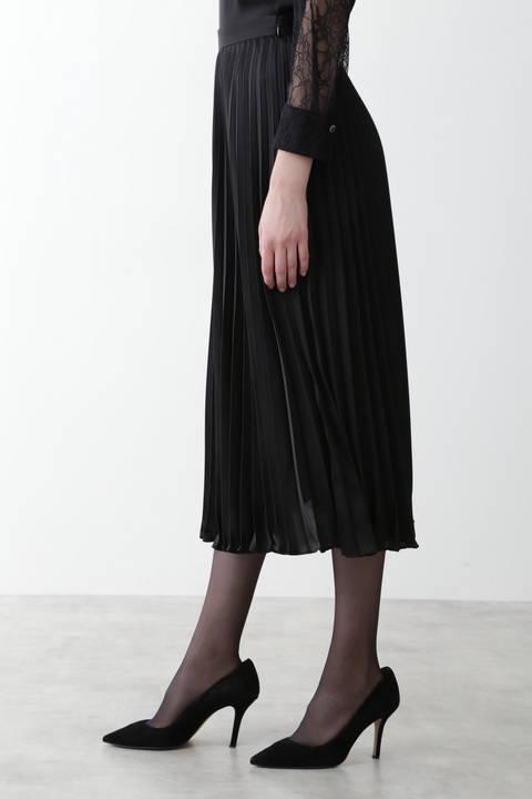 サテンプリーツミディスカート