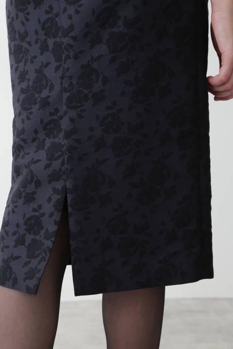 フラワージャガードミディーペンシルスカート