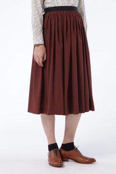 タック刺繍スカート