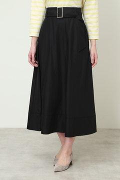 A ベルト付きフレアスカート