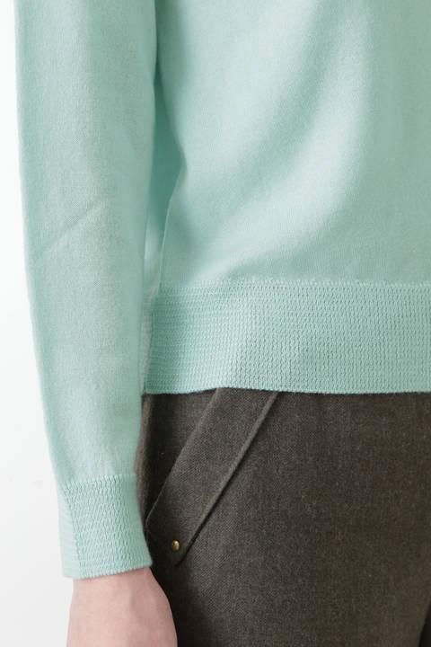 柄編み使いラグランプルオーバー