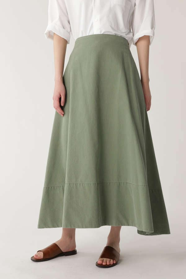 [madison blue]BACK SATIN MAXI FLARE SKIRT
