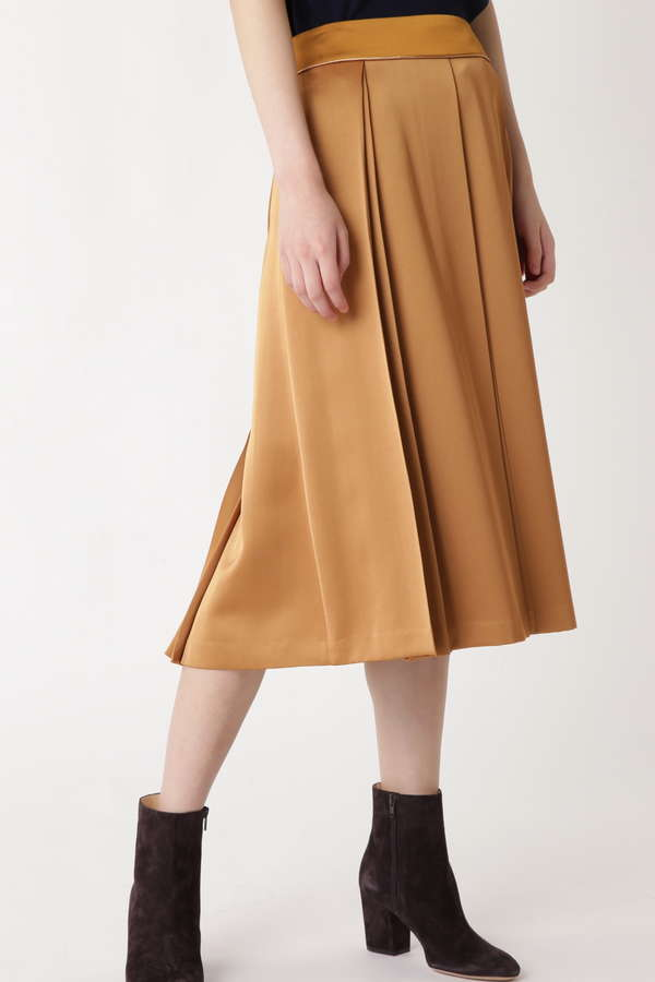 ダブルタックサテンスカート