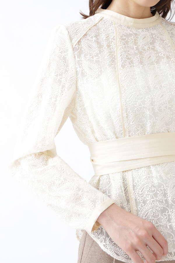 エミリオ刺繍ブラウス