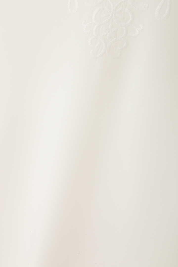 アネモネ刺繍ブラウス