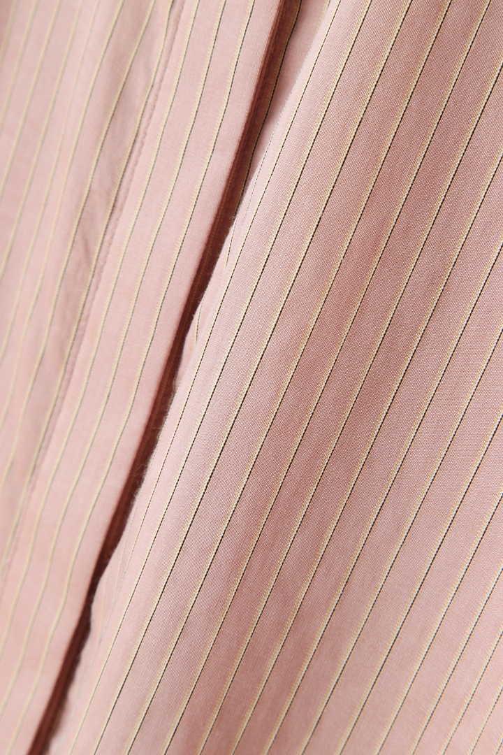 マデリン襟付きストライプ柄シャツブラウス