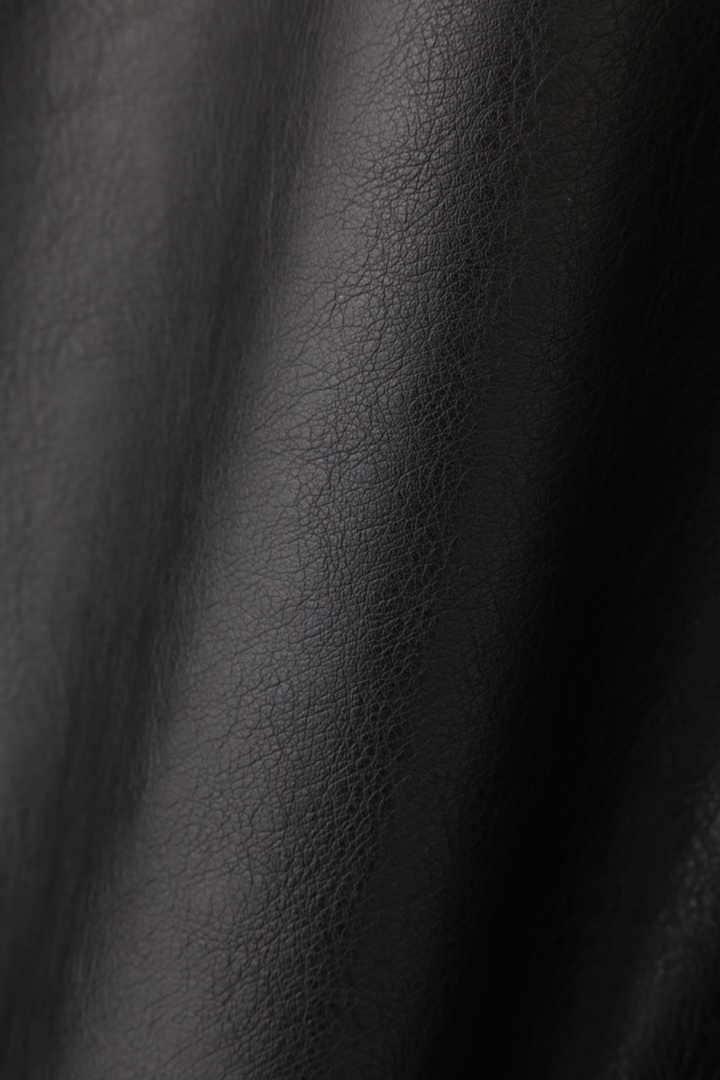 フロウフレアフェイクレザースカート