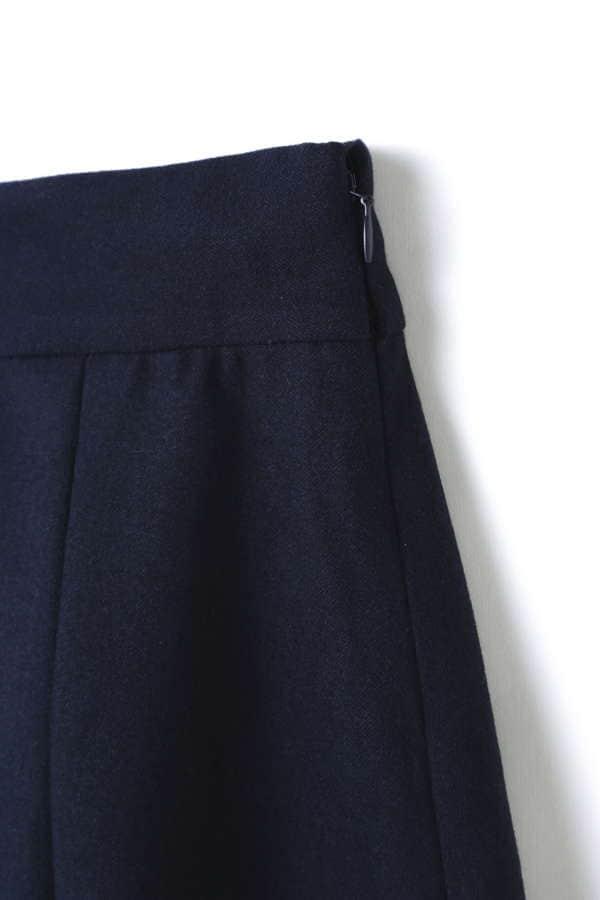ストリングベルト付きタックフレアースカート