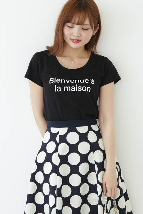 ラウンドネックロゴTシャツ