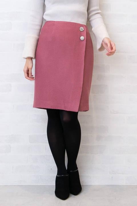 ビジュー釦付きドビータイトスカート