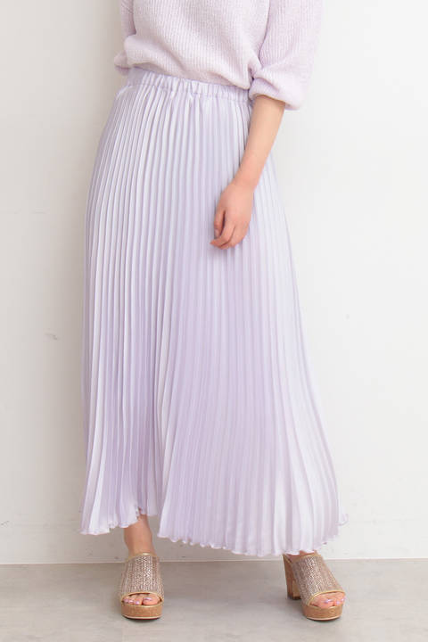 プリーツサテンスカート