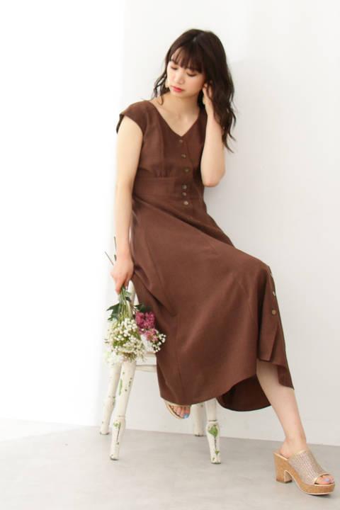 ボタンフロントドレス