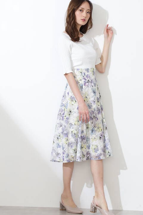 フローラルプリントカットジャガードスカート