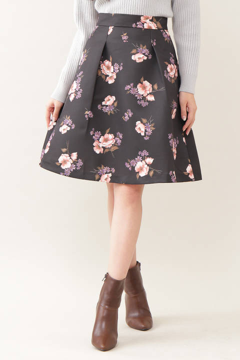 ビッグフローラルスカート