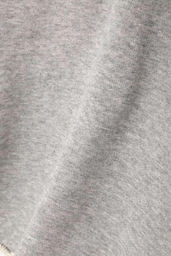 【美人百花3月号掲載】【sweet3月号佐藤栞里さん着用】短丈カットオフパーカー