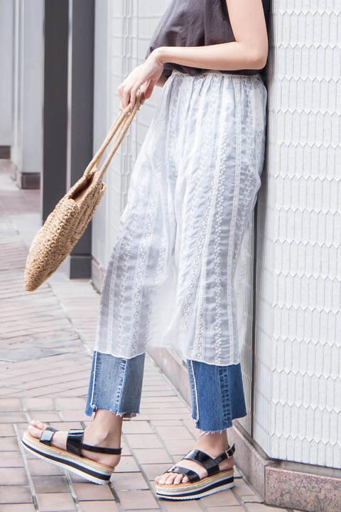 シアーストライプ刺繍スカート