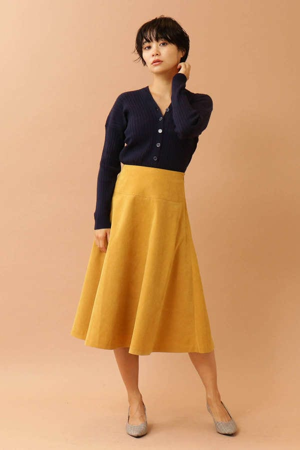 フレアミモレ丈スカート