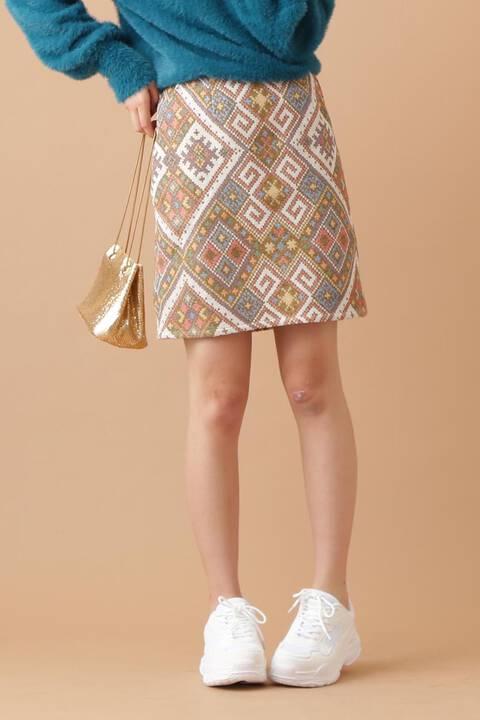 【岡副麻希 着用】幾何学柄台形ミニ丈スカート