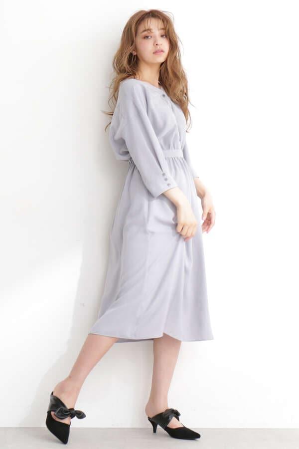 とろみV衿タックワンピース