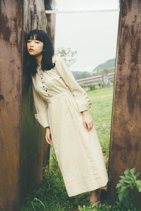 〔田中芽衣監修〕ロングカフス配色ステッチワンピース