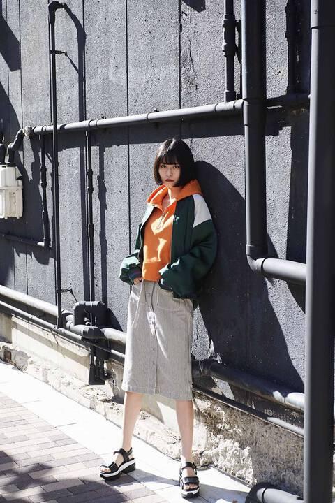 《Emma着用》《横田ひかる着用》ハーフジップショートプルオーバーパーカー