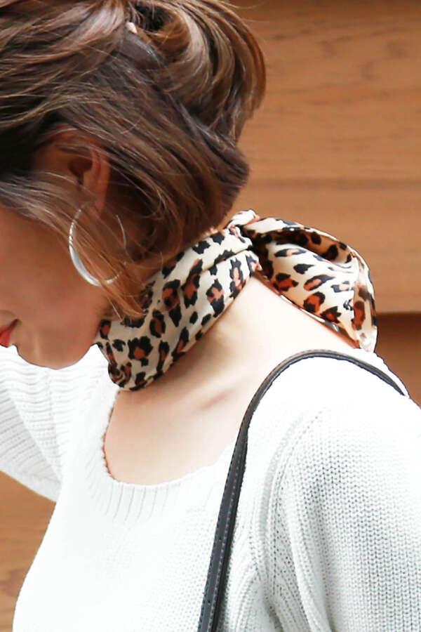 ヒョウ柄スカーフ